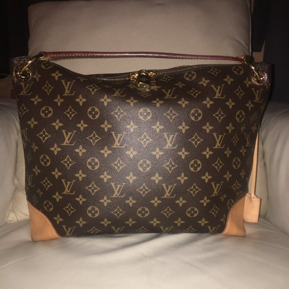 Louis Vuitton Handbags - Louis Vuitton Berri MM